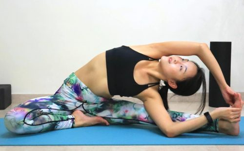 Revolved Head to Knee Pose [Parivrtta Janu Sirsasana] - Yoga poses for beginners (see more at https://theyogamad.com)