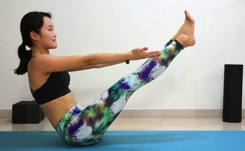 boat pose [Navasana] - Yoga poses for beginners (see more at https://theyogamad.com)