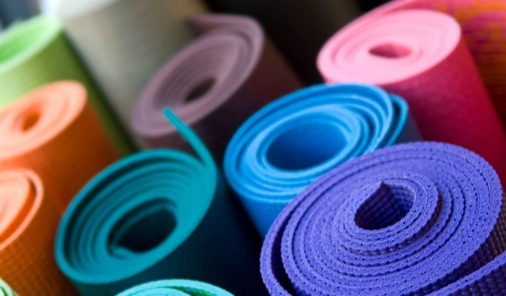 Read more about the article What Color Yoga Mat Should I Get?